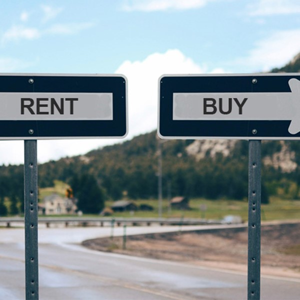 Rent or buy, arrows pointing opposite directions